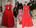 Anne Hathaway In Valentino Couture - 2018 Met Gala
