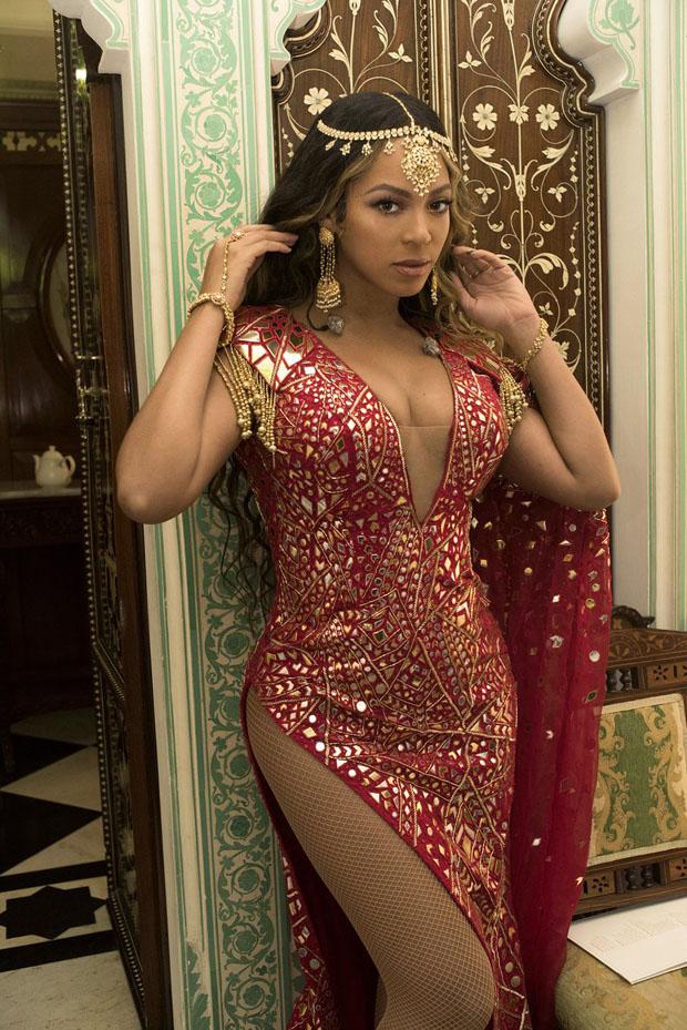 Fashion Blogger Catherine Kallon feature the Beyonce Knowles In Abu Jani Sandeep Khosla, Falguni Shane Peacock &  Shivan & Narresh - Isha Ambani & Anand Piramal's Pre-Wedding Celebrations