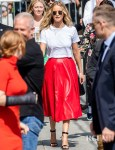 Jennifer Lawrence Goes Eco-Friendly In A Red Leather Skirt For Jimmy Kimmel