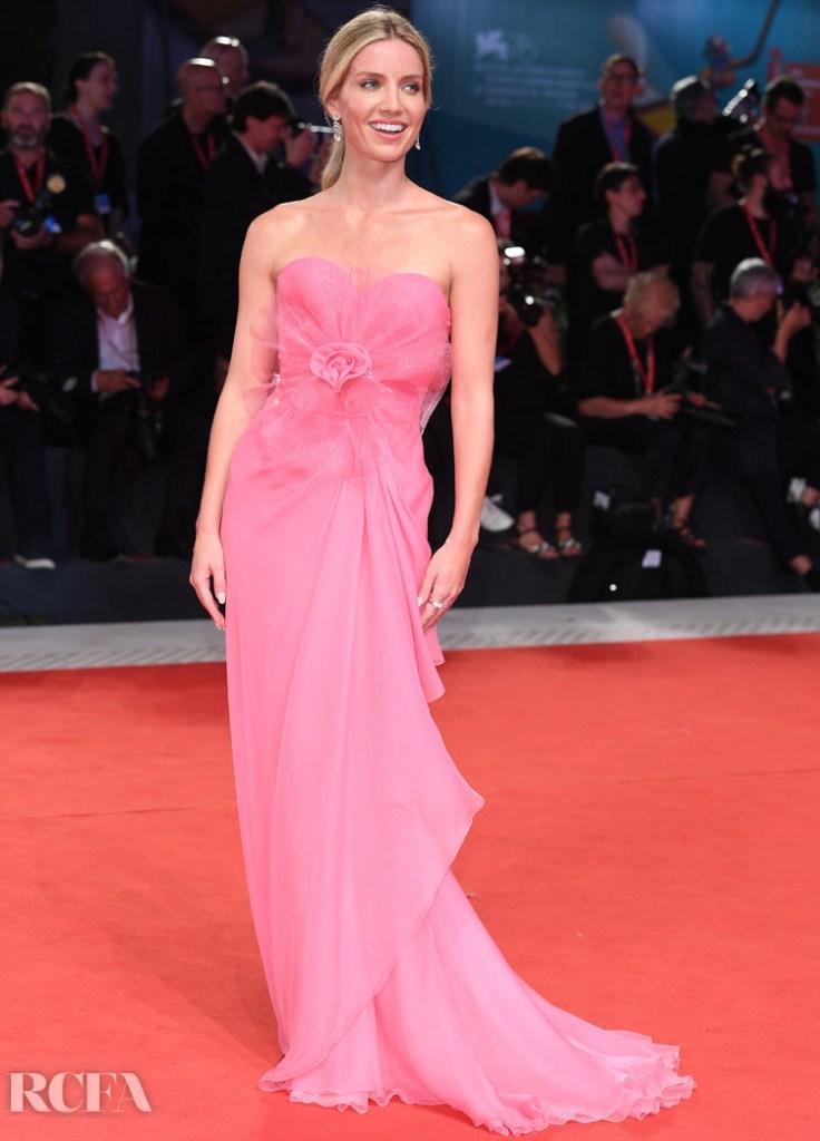 Annabelle Wallis In Armani Prive - 'Seberg' Venice Film Festival Premiere