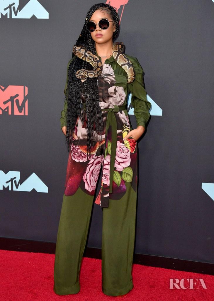 H.E.R In Valentino - 2019 MTV VMAs
