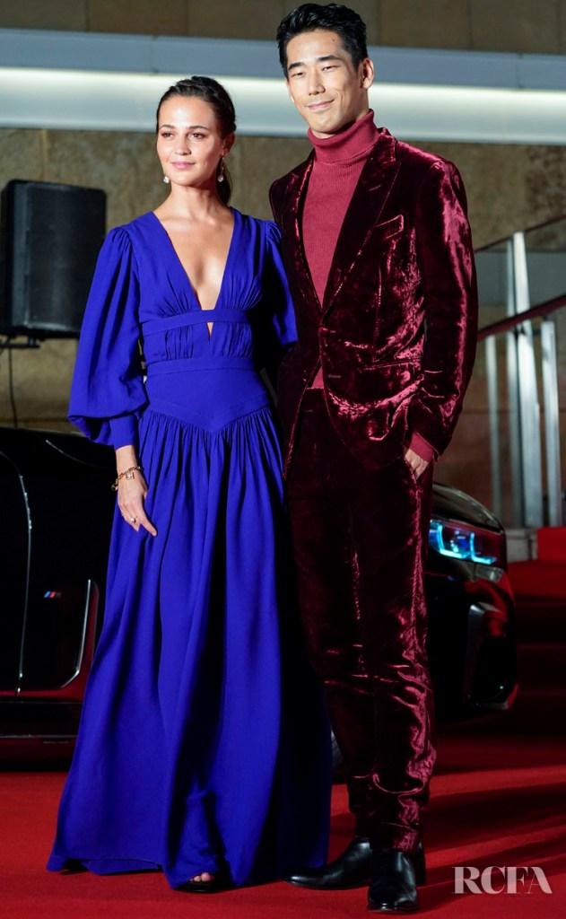 Alicia Vikander Opens Tokyo  Film Festival With 'The Earthquake Bird' In Louis Vuitton