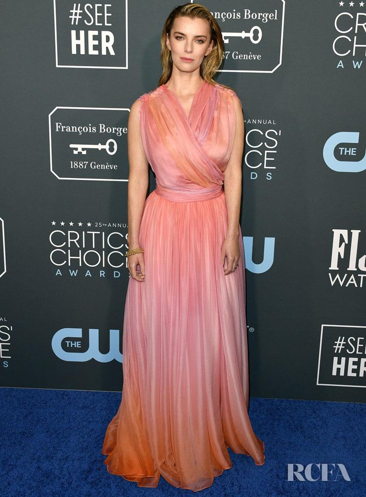 Betty Gilpin In Oscar de la Renta - 2020 Critics Choice Awards