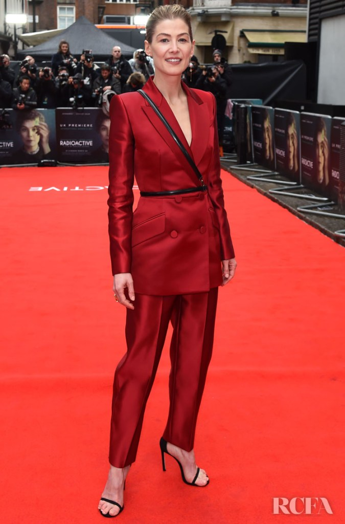 Rosamund Pike Wore Alexander McQueen To The 'Radioactive' London Premiere