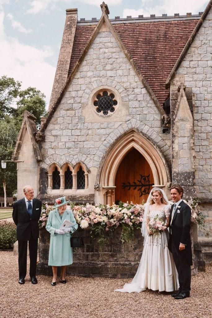 Princess Beatrice Weds Edoardo Mapelli Mozzi In Vintage Norman Hartnell
