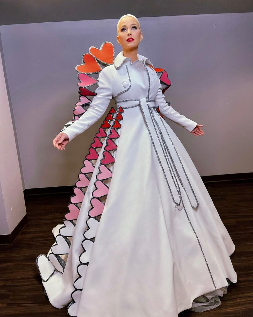 Katy Perry, Viktor & Rolf Haute Couture, American Idol, Katy Perry Heart Trench Coat, Viktor & Rolf Fall 2020 Haute Couture, Katy Perry American Idol, Katy Perry Viktor & Rolf Haute Couture,