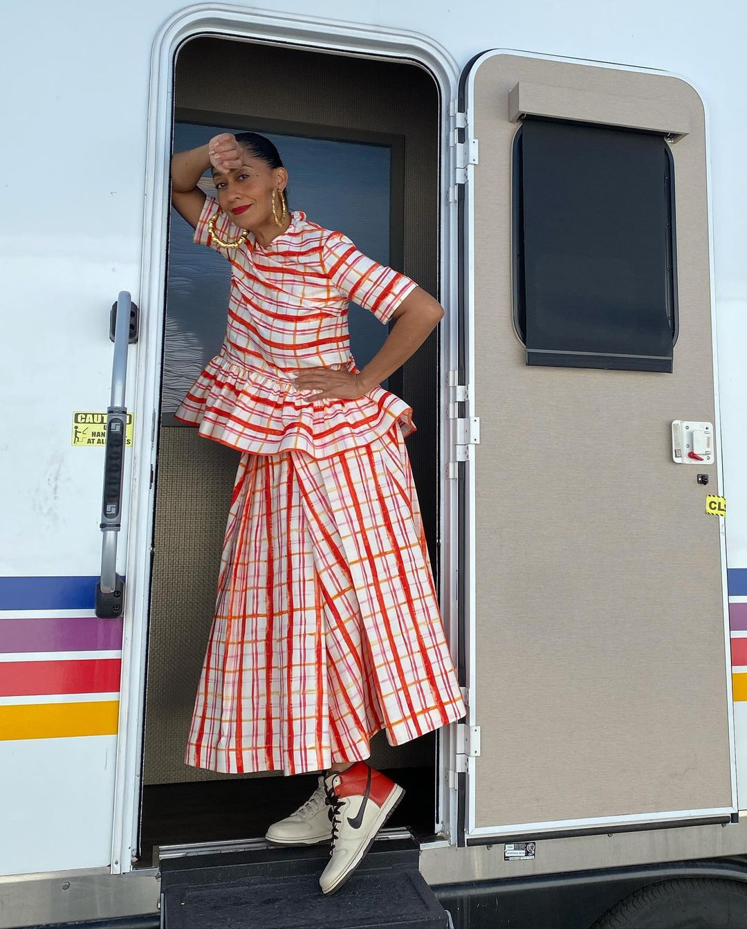 Tracee Ellis Ross Wore Rosie Assoulin On The Set Of 'Black-Ish'