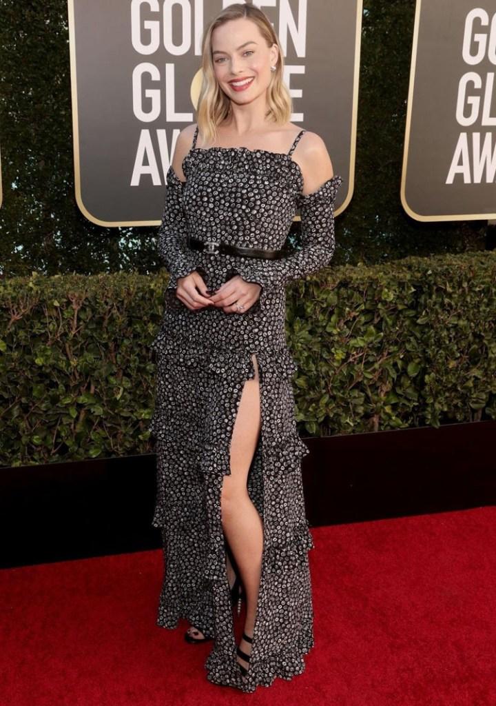 Margot Robbie, Chanel, 2021 Golden Globe Awards, Margot Robbie Chanel, Margot Robbie Golden Globe Awards, Margot Robbie Printed Dress, Golden Globe Awards, Chanel Spring 2021,