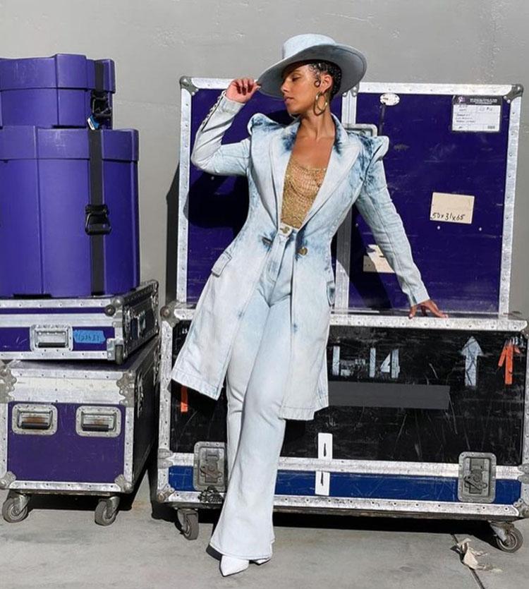 Alicia Keys Wore Balmain To The 2021 Billboard Music Awards
