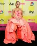 Saweetie Wore Giambattista Valli Haute Couture To The 2021 Billboard  Music Awards