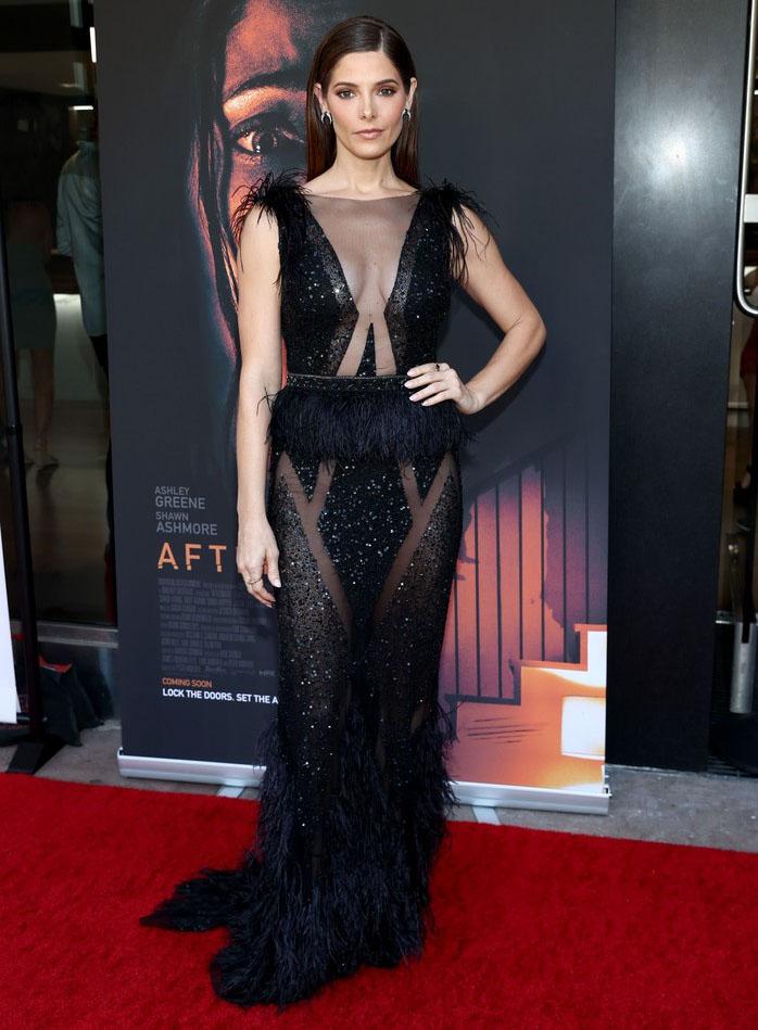 Ashley Greene Wore Bertha To The 'Aftermath' LA Premiere