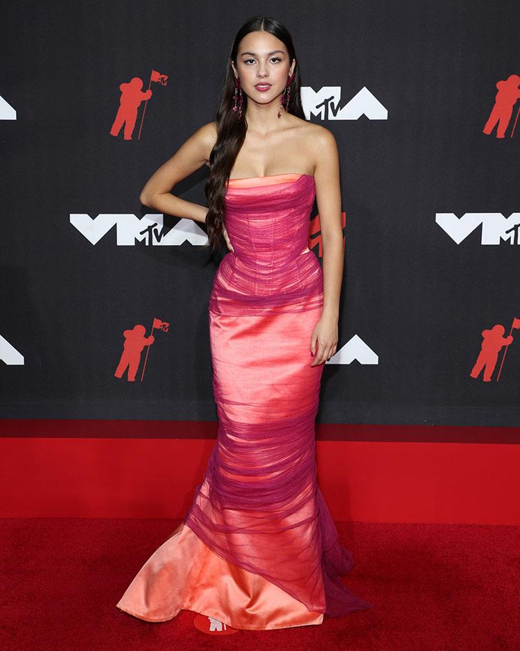 Olivia Rodrigo Wore Atelier Versace To The 2021 MTV VMAs