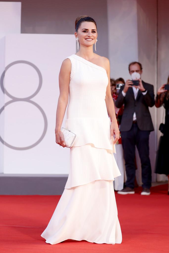 Penelope Cruz Wore Chanel For The 'Competencia Oficial' Venice Film Festival Premiere