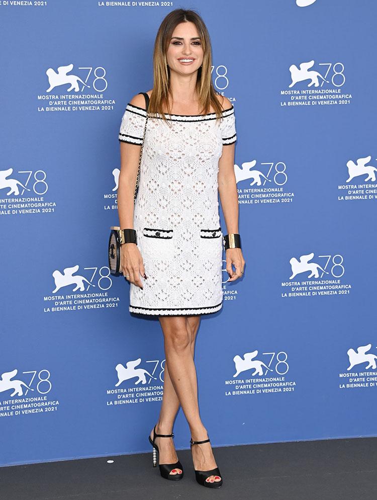 Penelope Cruz Wore Chanel For The 'Competencia Oficial' Venice Film Festival Photocall & Premiere