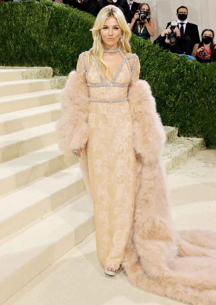 Sienna Miller in Gucci - 2021 Met Gala