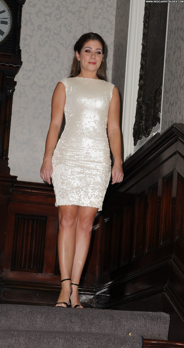 Nikki Sanderson Fashion Show High Resolution Beautiful Posing Hot