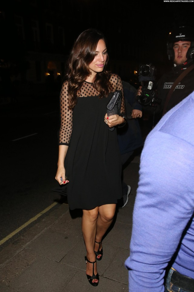 Kelly Brook Babe High Resolution Posing Hot Celebrity Candids