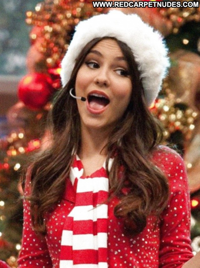 Victoria Justice Pictures Facial Celebrity Christmas Cumshot Posing