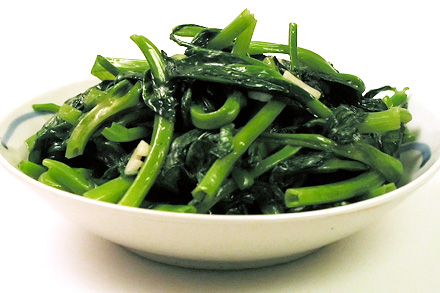 Garlic Stir-fry Pea Shoots