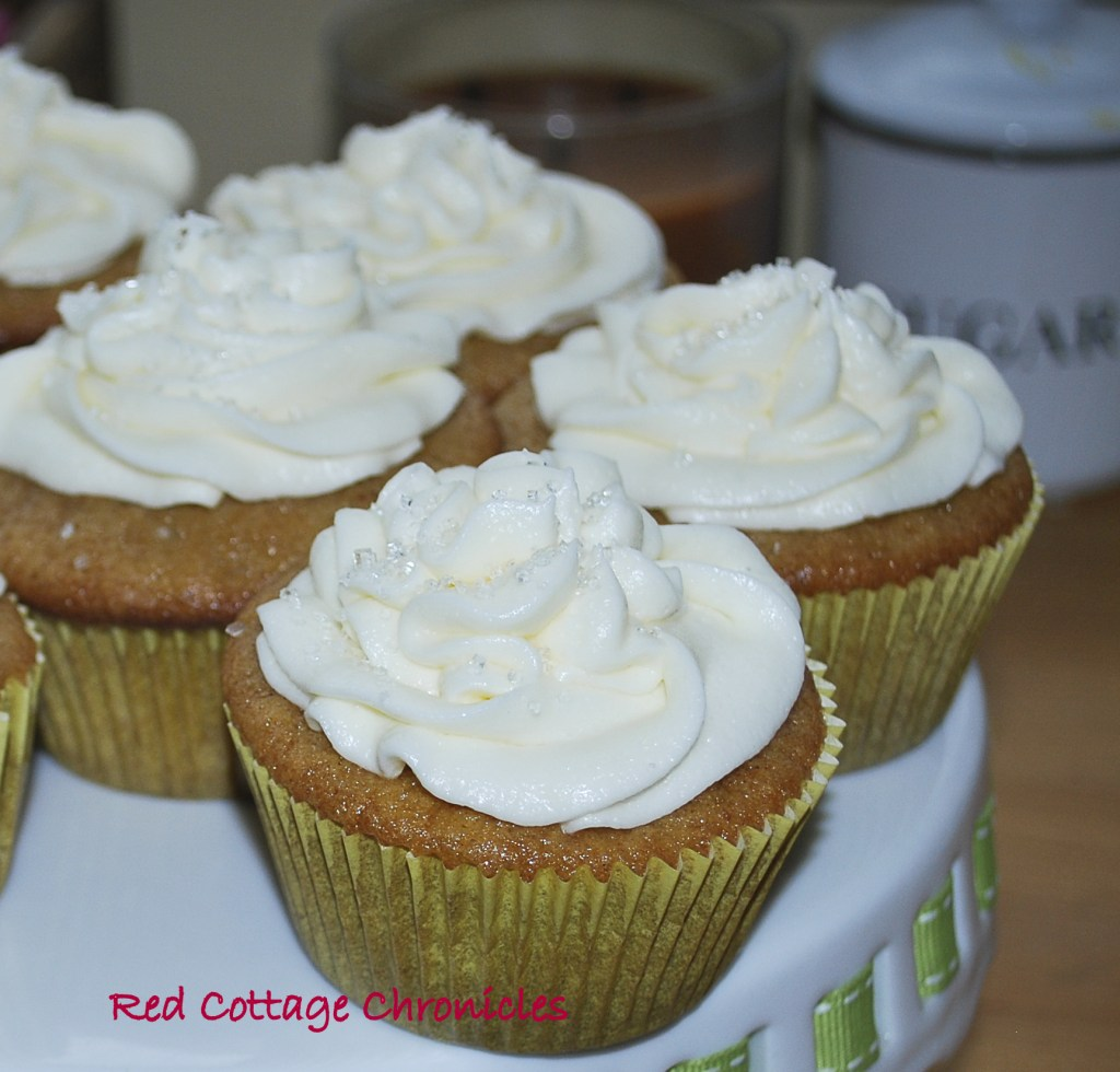 Ice Wine Cupcakes (Apricot cake with Ice Wine Frosting)