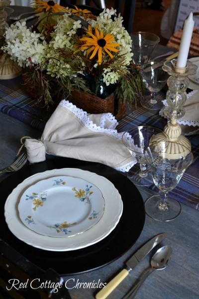 An Early Autumn Tablescape
