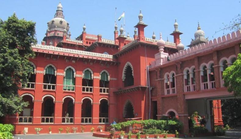 """""""Private Defamation complaints cannot be filed by the office of the Public Prosecutor for statements made that have no relation to Public Functions: Madras High Court"""""""