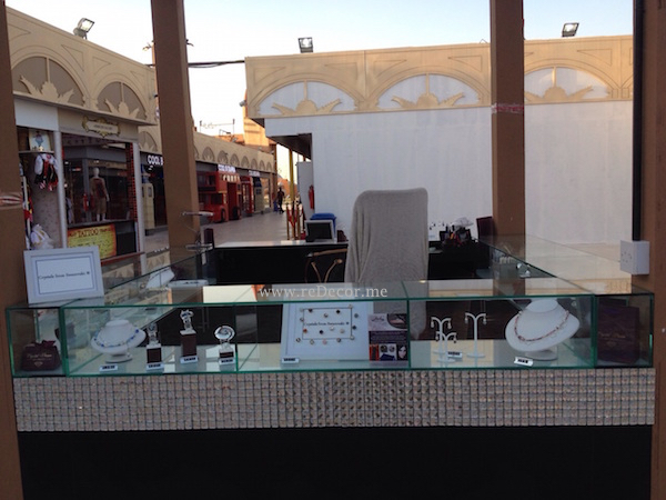 Custom made kiosk in Global village for jewelry client