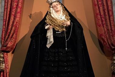 Nuestra Madre ataviada para su Solemne Triduo