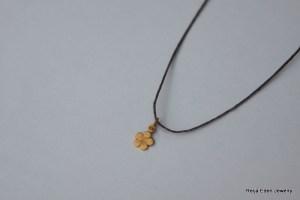 gold clover leaf necklace