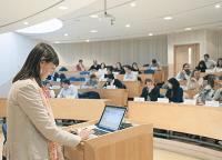 Es vital fomentar e impulsar el desarrollo profesional de los trabajadores, por medio de cursos, diplomados, seminarios Foto: uaiopen.cl