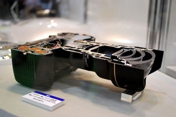Nikon D3 cut in half – readers of a delicate nature look away now