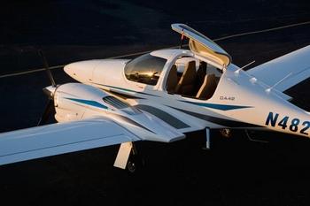 Diamond DA42 – Super stylish twin engine, four seater plane