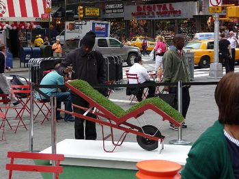 A Living Green Lawn Chair – does it come with bugs too?