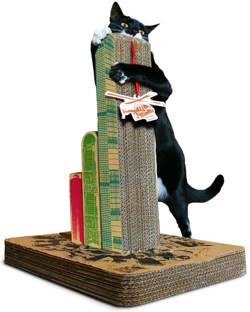 Skyscraper scratching posts makes your cat look like King Kong