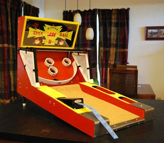 Tiny Skee Ball Machine brings out the kid in you