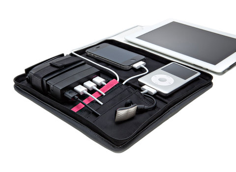 Aviiq Portable Charging Station helps you charge your gadgets on the go