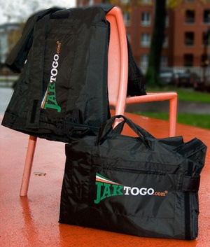 The Jaktogo jacket bag avoids excess baggage fees at the airport