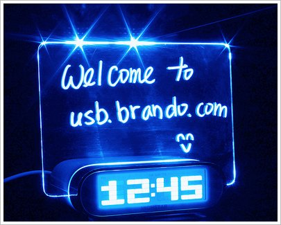 Erasable Memo Board USB Hub Clock – just when you thought there was nothing more they could do with USB