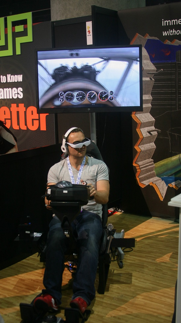 A little hands on time with the cinimizer OLED Multimedia Video Glasses [E3 2013]