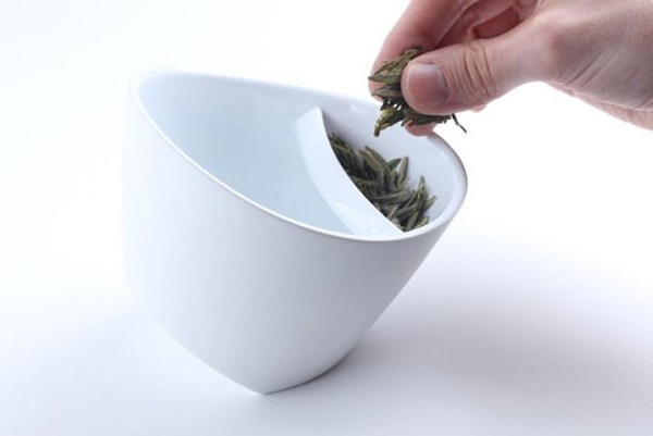 This Magisso Teacup makes loose leaf tea easy peasy
