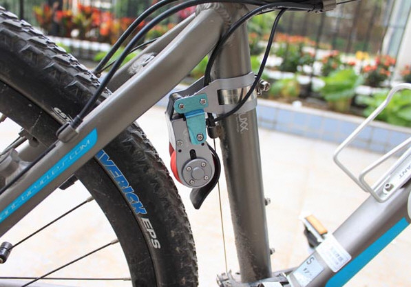 Bike Dynamo Charger – keep your phone powered up while you cycle and enjoy