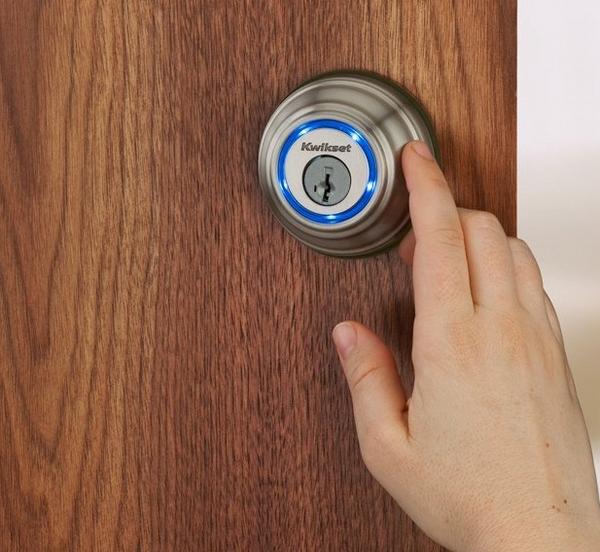 Kwikset Kevo – all you need is a smartphone to unlock your door