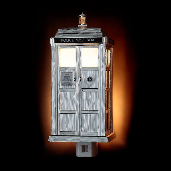 Doctor Who Limited Edition Chrome TARDIS Night Light – Timey-Wimey light protects you from Daleks in the dark