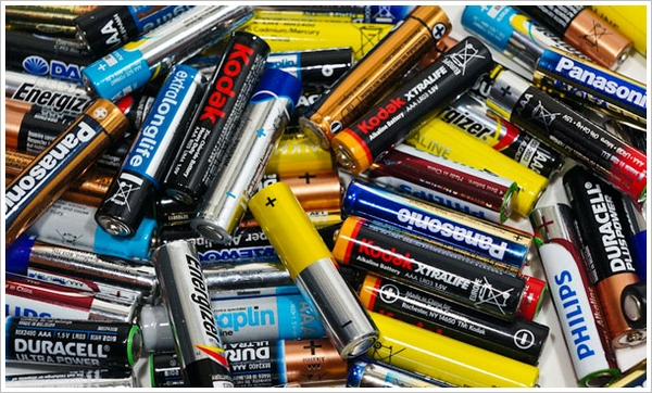 The Battery Price Scam – Hint: We're Probably Being Ripped Off! [In-Depth Test]