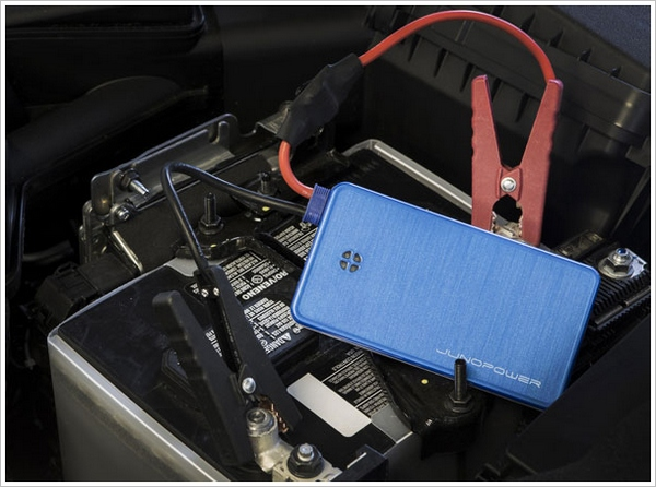 Jumpr – cool pocket friendly phone charger can jump start your car as well