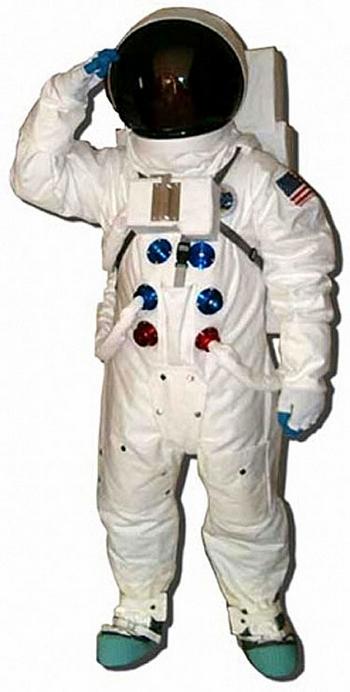 Apollo Astronaut Full Space Suit Replica – Houston we are good to go…