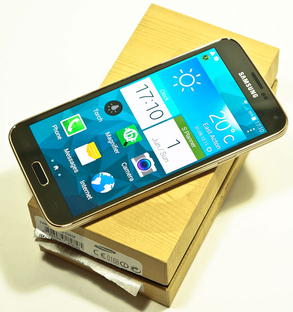 Samsung Galaxy S5 – 18 Cool Tips and Features Of The New Superphone [Video Review]