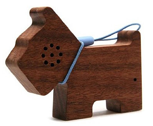 Motz Wooden Pet Speaker – tiny hand-made keychain speaker puts the aww back in awesome