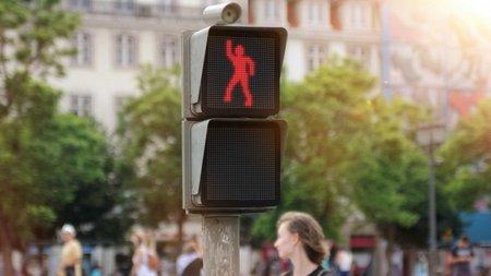 smart dancing traffic light 1