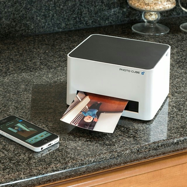 WiFi Photo Cube Printer – turn yourself into a portable Instagram printout machine